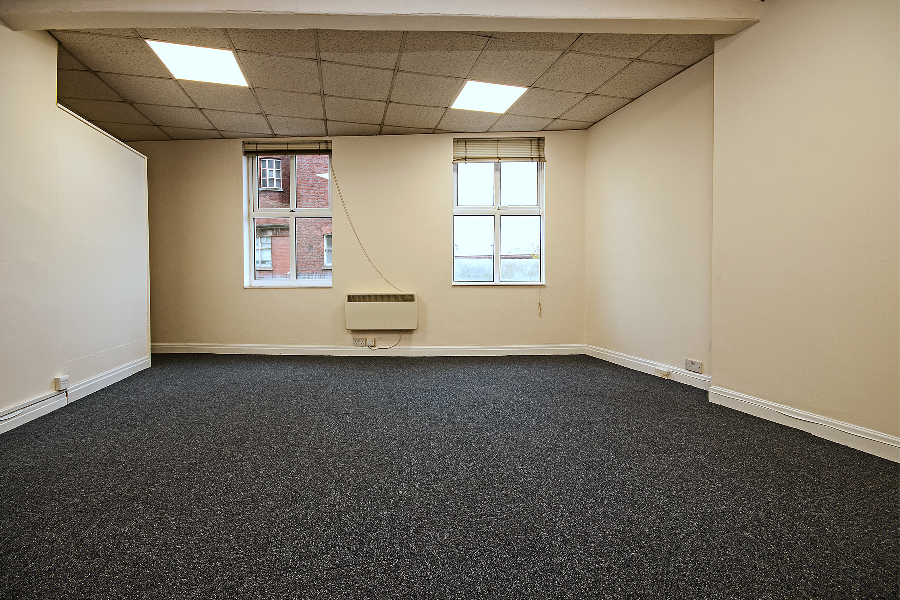 wellington rd sth 5 stockport first  floor office 1.jpg