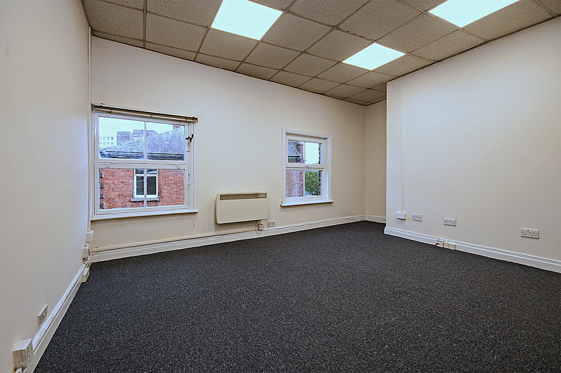 wellington rd sth 5 stockport first  floor office 2.jpg