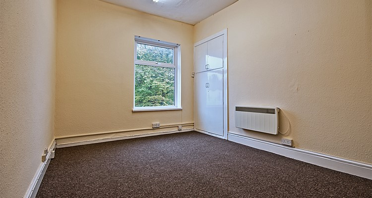 buxton rd 352A great moor stockport  office 1.jpg