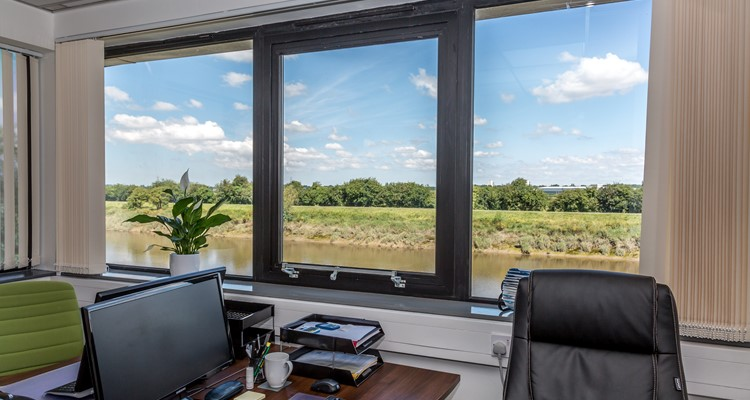 river lane, viscount hse, saltney, office int 1.jpg