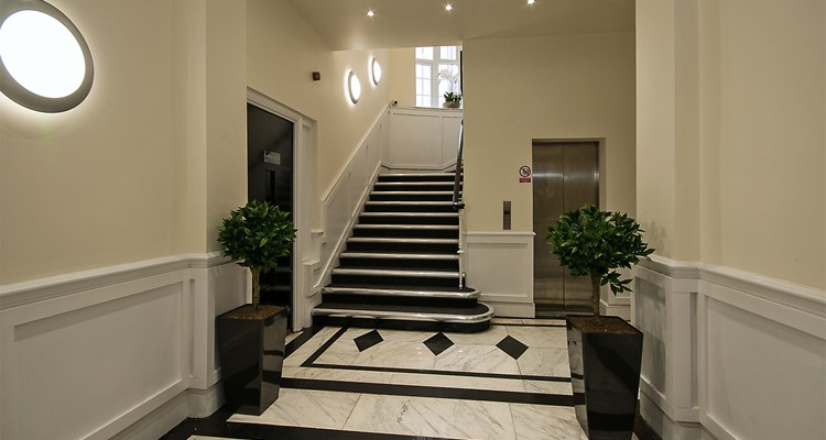 st petersgate prudential buildings stockport foyer a.jpg