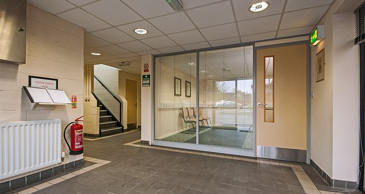 shawcross st ut3 crown royal ind est stockport reception.jpg
