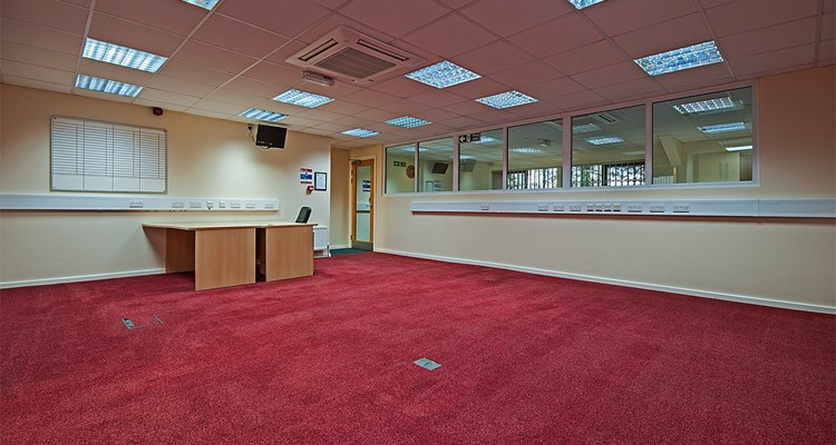 shawcross st ut3 crown royal ind est stockport office 2.jpg