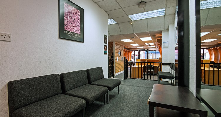 st petersgate 46 stockport sales  area 2.jpg (1)
